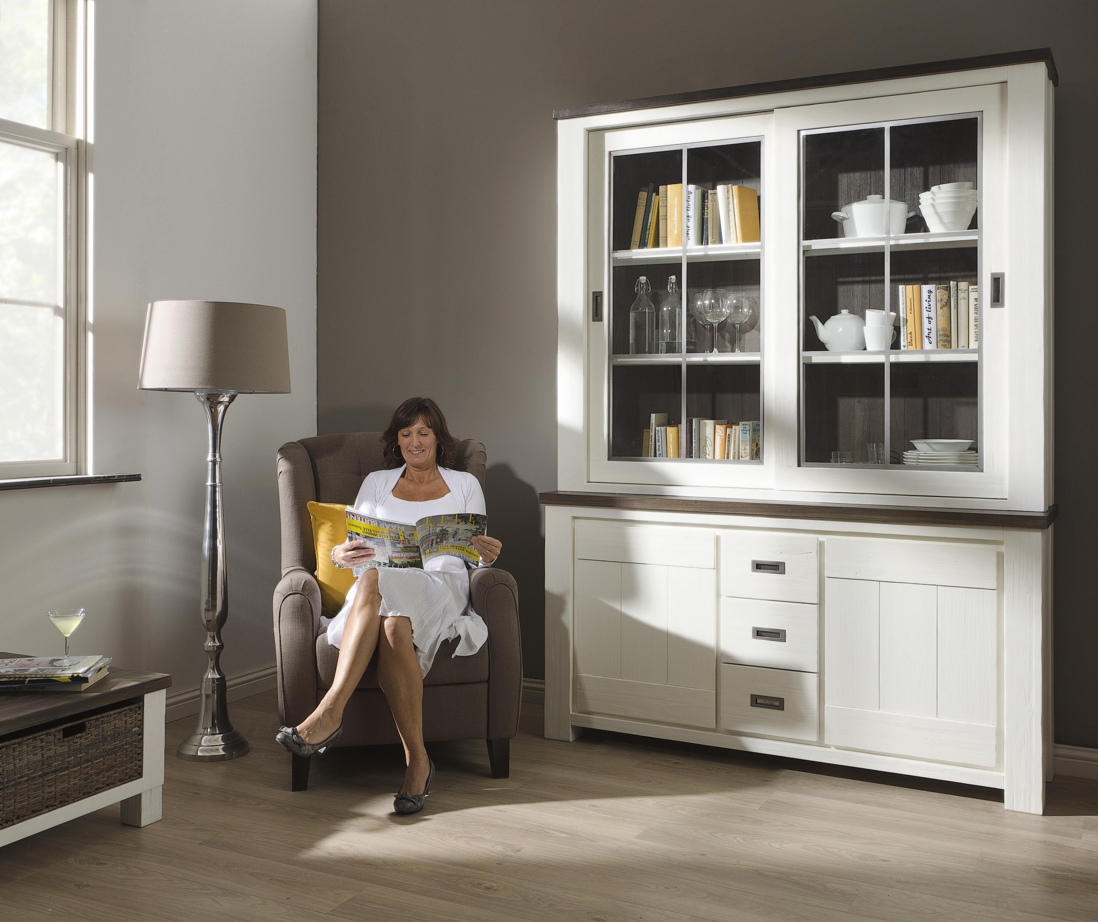 buffet vitrinekast deaumain meubelen tilt de keizer. Black Bedroom Furniture Sets. Home Design Ideas