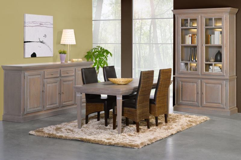 Rustieke eetkamer in massief en fineer eik meubelen tilt de keizer for Decoratie eetkamer