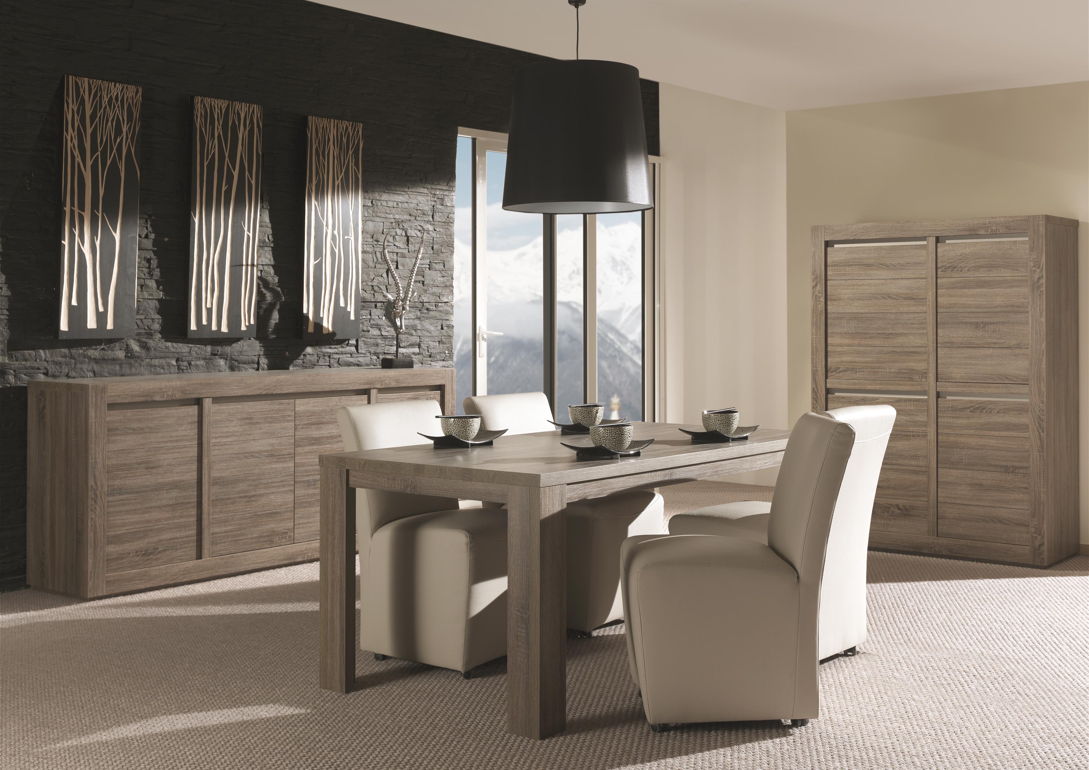 Eetkamer raffia meubelen tilt de keizer - Moderne eetkamer en woonkamer ...