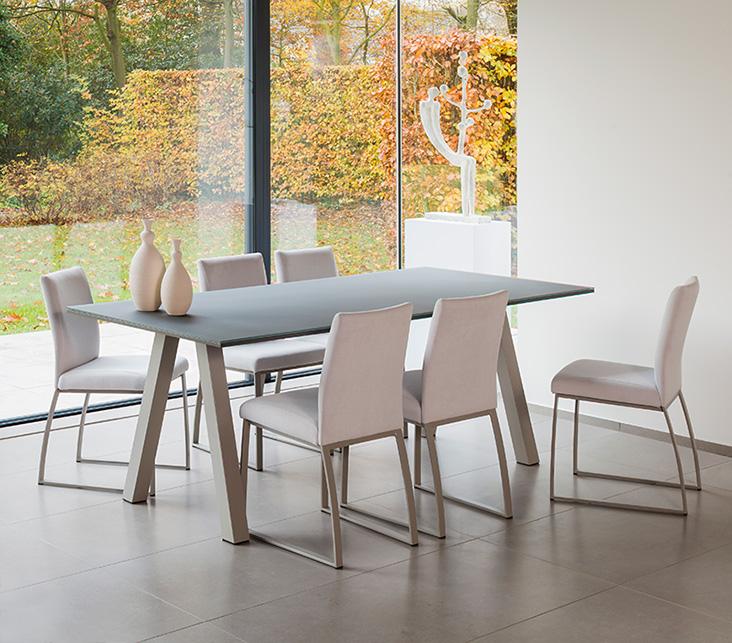 Veneto tafel fenix meubelen de keizer tilt for Keukentafel en stoelen